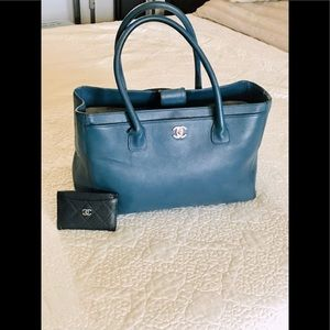 ⭐️Chanel Executive Tote Navy Blue⭐️